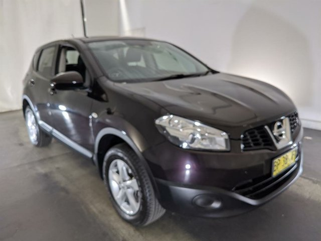 Used Nissan Dualis J10 Series II MY2010 ST Hatch X-tronic Maryville, 2011 Nissan Dualis J10 Series II MY2010 ST Hatch X-tronic Purple 6 Speed Constant Variable Hatchback