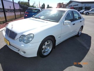 2004 Mercedes-Benz C200 W203 Kompressor Classic White 5 Speed Auto Tipshift Sedan.