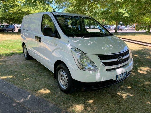 Used Hyundai iLOAD TQ2-V MY15 Launceston, 2015 Hyundai iLOAD TQ2-V MY15 White 6 Speed Manual Van