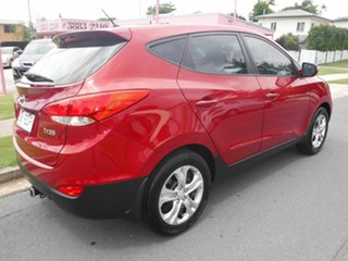 2011 Hyundai ix35 LM Active Red 6 Speed Automatic Hatchback.