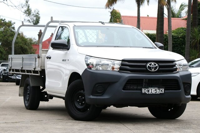 Pre-Owned Toyota Hilux TGN121R MY17 Workmate Mosman, 2018 Toyota Hilux TGN121R MY17 Workmate Glacier White 5 Speed Manual Cab Chassis