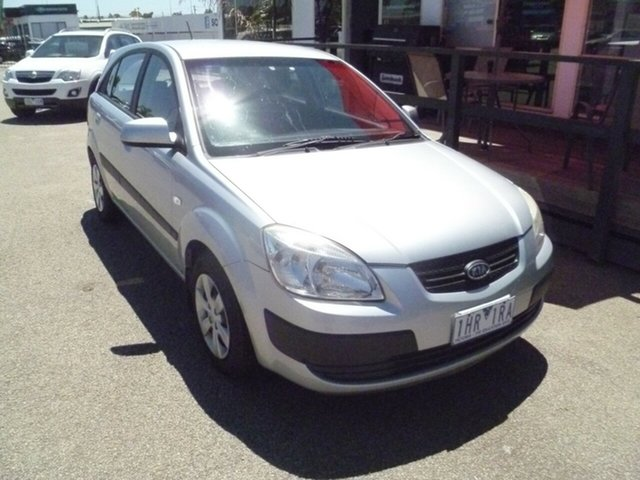 Used Kia Rio JB MY07 LX Moorabbin, 2007 Kia Rio JB MY07 LX Silver 5 Speed Manual Hatchback