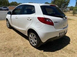 2013 Mazda 2 DE MY12 Neo White 4 Speed Automatic Hatchback