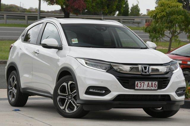 Demo Honda HR-V MY21 VTi-LX North Lakes, 2020 Honda HR-V MY21 VTi-LX Platinum White 1 Speed Constant Variable Hatchback