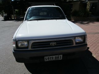 1998 Toyota Hilux RZN149R White 4 Speed Automatic Dual Cab Pick-up.