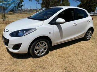 2013 Mazda 2 DE MY12 Neo White 4 Speed Automatic Hatchback.