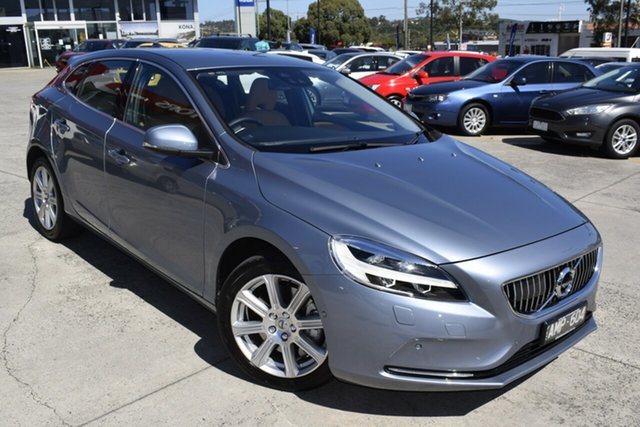 Used Volvo V40 M Series MY17 D4 Adap Geartronic Inscription Ferntree Gully, 2016 Volvo V40 M Series MY17 D4 Adap Geartronic Inscription Blue 8 Speed Sports Automatic Hatchback