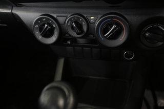 Toyota Hilux Standard White Pearl Manual