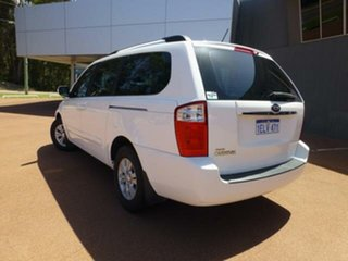 2014 Kia Grand Carnival VQ MY14 SI 6 Speed Automatic Wagon.