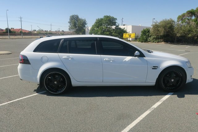 Used Holden Commodore VE II MY12 Omega Sportwagon Maddington, 2012 Holden Commodore VE II MY12 Omega Sportwagon White 6 Speed Sports Automatic Wagon