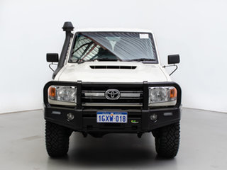 2019 Toyota Landcruiser VDJ79R GXL (4x4) White 5 Speed Manual Double Cab Chassis.