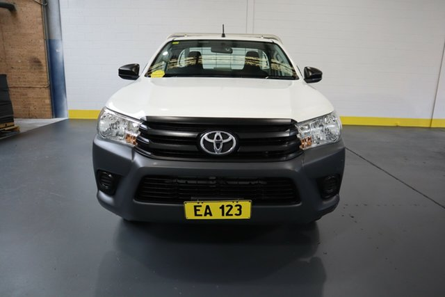 Used Toyota Hilux TGN121R Workmate 4x2 Castle Hill, 2016 Toyota Hilux TGN121R Workmate 4x2 White 6 Speed Sports Automatic Cab Chassis