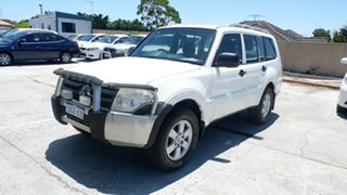 2007 Mitsubishi Pajero NS GLX White 5 Speed Manual Wagon.