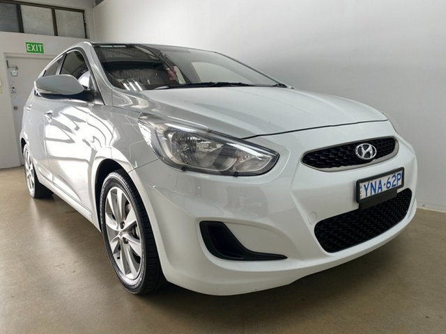 Used Hyundai Accent RB6 MY18 Sport Phillip, 2018 Hyundai Accent RB6 MY18 Sport White 6 Speed Automatic Hatchback