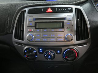 2014 Hyundai i20 PB MY15 Active Silver 6 Speed Manual Hatchback