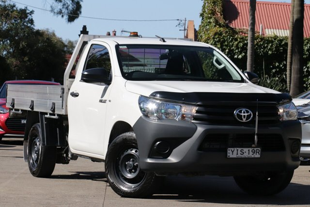 Pre-Owned Toyota Hilux TGN121R Workmate 4x2 Mosman, 2018 Toyota Hilux TGN121R Workmate 4x2 Glacier White 5 Speed Manual Cab Chassis