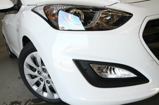 2015 Hyundai i30 GD3 Series 2 Active White 6 Speed Automatic Hatchback.