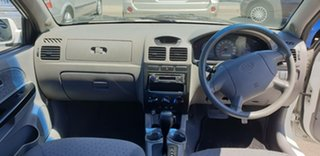 2005 Kia Rio JB White 4 Speed Automatic Hatchback