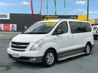 2014 Hyundai iMAX TQ-W White 5 Speed Automatic Wagon.