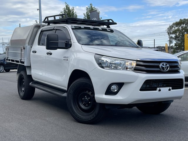 Pre-Owned Toyota Hilux GUN126R SR Double Cab South Morang, 2017 Toyota Hilux GUN126R SR Double Cab White 6 Speed Sports Automatic Cab Chassis