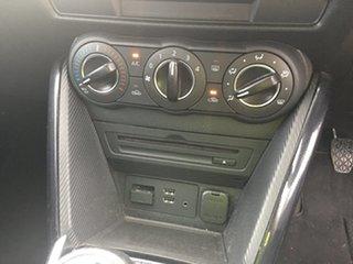 2015 Mazda 2 DL2SA6 Maxx SKYACTIV-MT Red/Black 6 Speed Manual Sedan