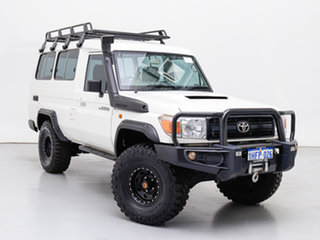 2015 Toyota Landcruiser VDJ78R MY12 Update Workmate (4x4) 11 Seat White 5 Speed Manual TroopCarrier.