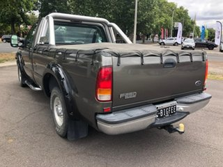 2001 Ford F250 XLT 4x2 4 Speed Automatic Utility