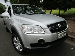 2009 Holden Captiva CG MY10 SX (FWD) Silver 5 Speed Manual Wagon.