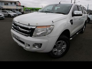 Ford  2014.75 DOUBLE PU XLT NON SVP 3.2D 6A 4X4.