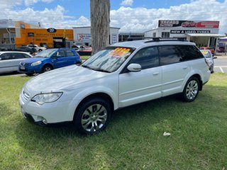 2007 Subaru Outback Limited (4x4) White.