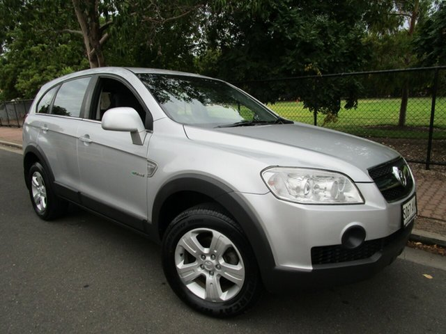 Used Holden Captiva CG MY10 SX (FWD) Glenelg, 2009 Holden Captiva CG MY10 SX (FWD) Silver 5 Speed Manual Wagon