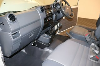 2011 Toyota Landcruiser VDJ79R MY10 Workmate French Vanilla 5 speed Manual Cab Chassis