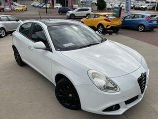 2013 Alfa Romeo Giulietta Distinctive White 6 Speed Auto Dual Clutch Hatchback.