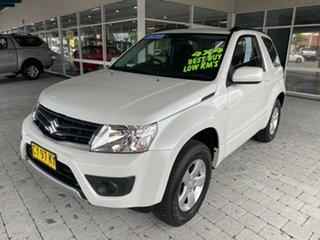 2018 Suzuki Grand Vitara Navigator White Manual Hardtop.