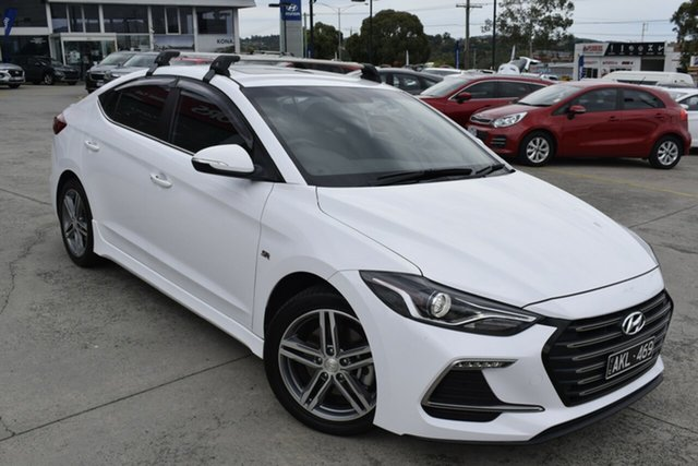 Used Hyundai Elantra AD MY17 SR Turbo Ferntree Gully, 2017 Hyundai Elantra AD MY17 SR Turbo White 6 Speed Manual Sedan