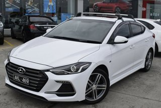 2017 Hyundai Elantra AD MY17 SR Turbo White 6 Speed Manual Sedan.