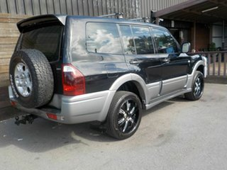 2003 Mitsubishi Pajero NP MY04 GLS Black 5 Speed Manual Wagon.