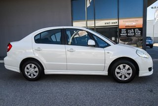2008 Suzuki SX4 GYC GLX White 4 Speed Automatic Sedan.