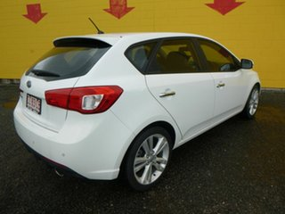 2010 Kia Cerato TD MY11 SI White 6 Speed Sports Automatic Hatchback