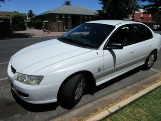 2006 Holden Commodore VZ MY06 Executive D/Fuel White 4 Speed Automatic Sedan