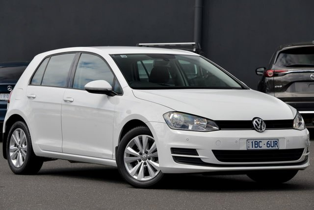 Used Volkswagen Golf VII MY14 90TSI Comfortline Moorabbin, 2014 Volkswagen Golf VII MY14 90TSI Comfortline White 6 Speed Manual Hatchback