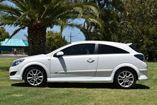 2008 Holden Astra AH MY09 SRi White 5 Speed Manual Coupe