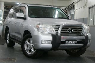 2009 Toyota Landcruiser UZJ200R 09 Upgrade Sahara (4x4) Silver Pearl 5 Speed Automatic Wagon.