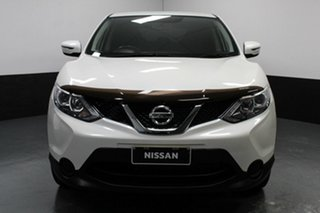2016 Nissan Qashqai J11 ST White 6 Speed Manual Wagon.