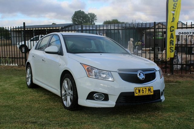Used Holden Cruze JH Series II MY14 SRi-V Ormeau, 2013 Holden Cruze JH Series II MY14 SRi-V White 6 Speed Sports Automatic Hatchback