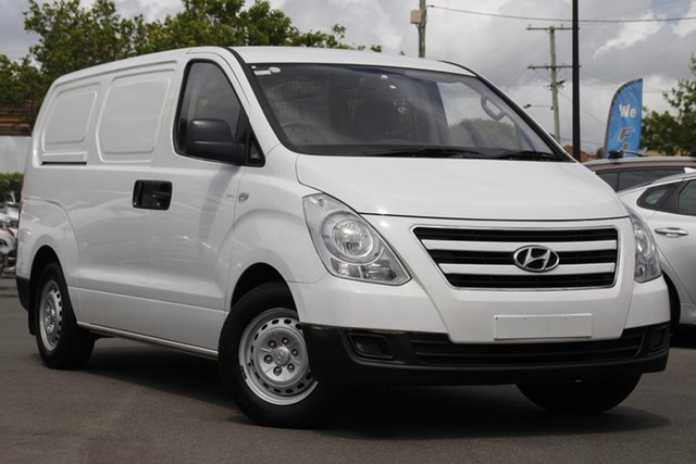 Used Hyundai iLOAD TQ3-V Series II MY18 Mount Gravatt, 2017 Hyundai iLOAD TQ3-V Series II MY18 White 5 Speed Automatic Van