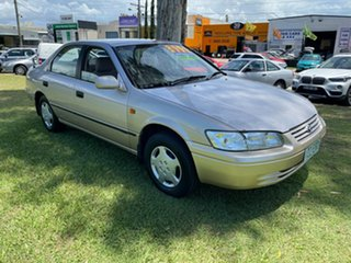 1998 Toyota Camry SXV20R CSX Gold 4 Speed Automatic Sedan.