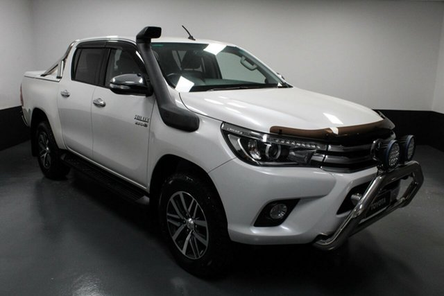 Used Toyota Hilux GUN126R SR5 Double Cab Hamilton, 2016 Toyota Hilux GUN126R SR5 Double Cab White 6 Speed Manual Utility