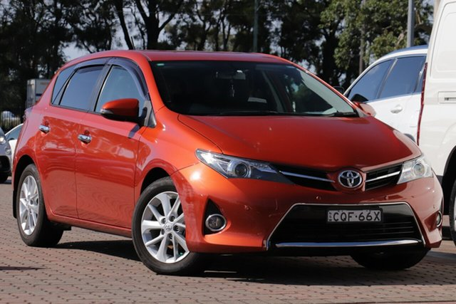Pre-Owned Toyota Corolla ZRE182R Ascent Sport Warwick Farm, 2013 Toyota Corolla ZRE182R Ascent Sport Orange 6 Speed Manual Hatchback