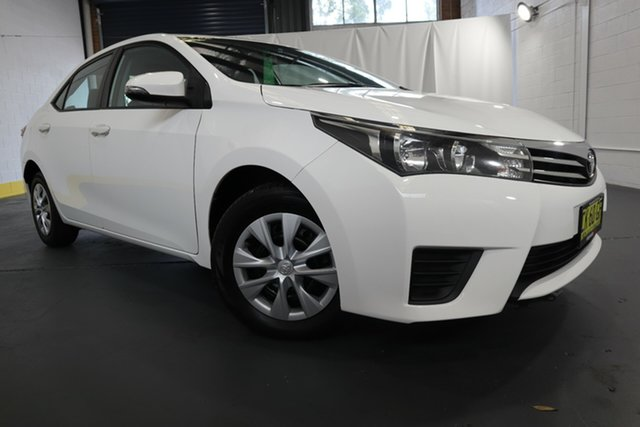 Used Toyota Corolla ZRE172R Ascent S-CVT Castle Hill, 2016 Toyota Corolla ZRE172R Ascent S-CVT White 7 Speed Constant Variable Sedan